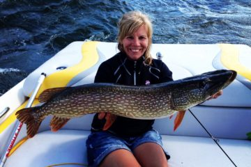 Lisa Roper Catches a Massive Pike! Lady angler shares a big pike