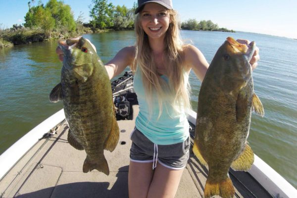 Girl shares the story of catching giant smallmouth bass from Washington